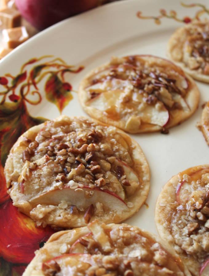 Caramel Apple Mini Tarts Caramel Apple Pie Easy Fall Dessert Ideas Fall Desserts Thanksgiving Pie Fancy Dessert Recipes Elegant Desserts With Pie Crust My Farmhouse Table