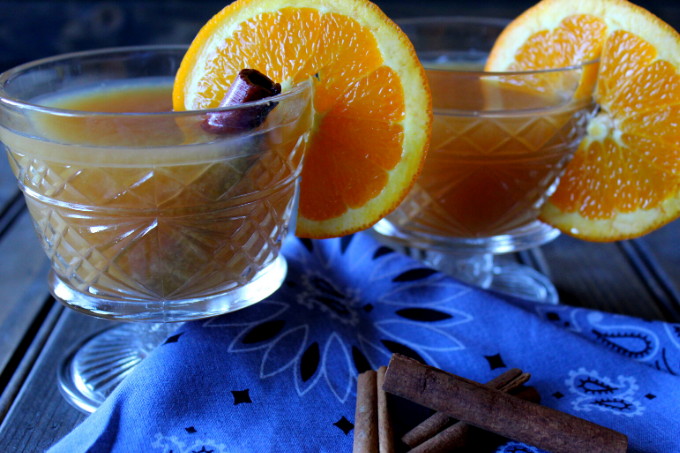 Crockpot Wassail Recipe Easy Traditional Wassail The Best Holiday Wassail Recipe Hot Christmas Drink Hot Thanksgiving Drink Crockpot Alcoholic Drink Slow Cooker Spiked Wassail Drink My Farmhouse Table