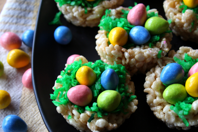 Easter Egg Basket Treats Rice Krispie Treats for Easter Nest for Peeps and Candy Easter Egg Basket Ideas for Kids Simple and Fun Recipe for Easter Dessert My Farmhouse Table