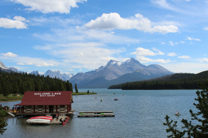 Ultimate Travel Alberta Canada Guide Calgary Foothills Rocky Mountains Jasper Lake Louise Banff Canmore Yoho National Park Icefield Parkway Maligne Lake