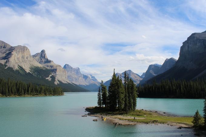 How to Spend a Day in Jasper My Farmhouse Table Canada Spirit Island Maligne Lake