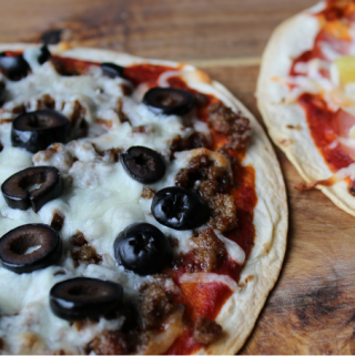 Easy Tortilla Pizzas